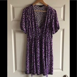BcbgMaxAzria Deep Vneck Printed Dress Sz L